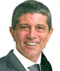 Dr. Eduardo Moura