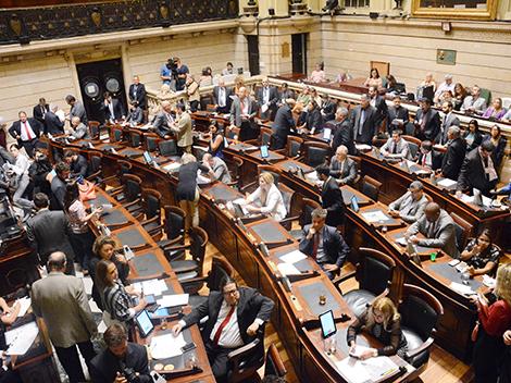 Sessão Legislativa (17/10)
