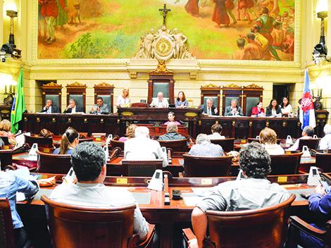 Vereadores debatem aplicação de gastos em saúde