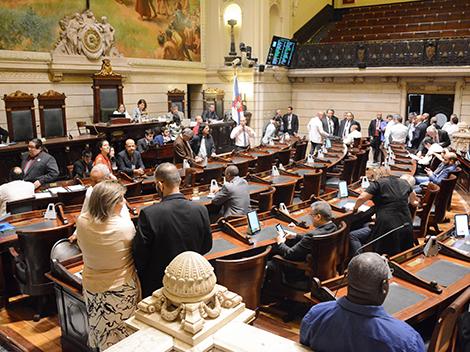 Câmara autoriza prefeitura a antecipar royalties do petróleo