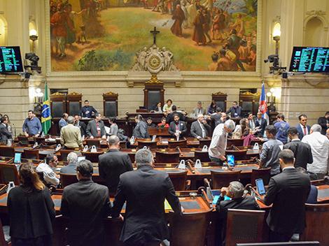 Sessão Legislativa (13/11)