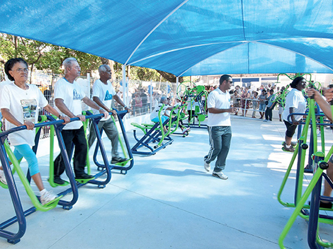 Programa leva ginástica a praças e logradouros públicos da cidade