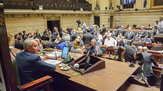 Câmara do Rio retoma atividades legislativas