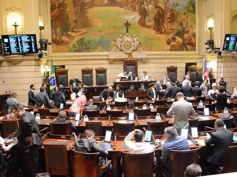 Sessão Legislativa (13): Grande Expediente e Votações